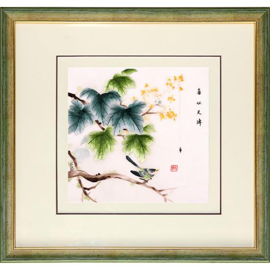 Картина вышитая шелком Синичка на цветущей ветке ручной работы